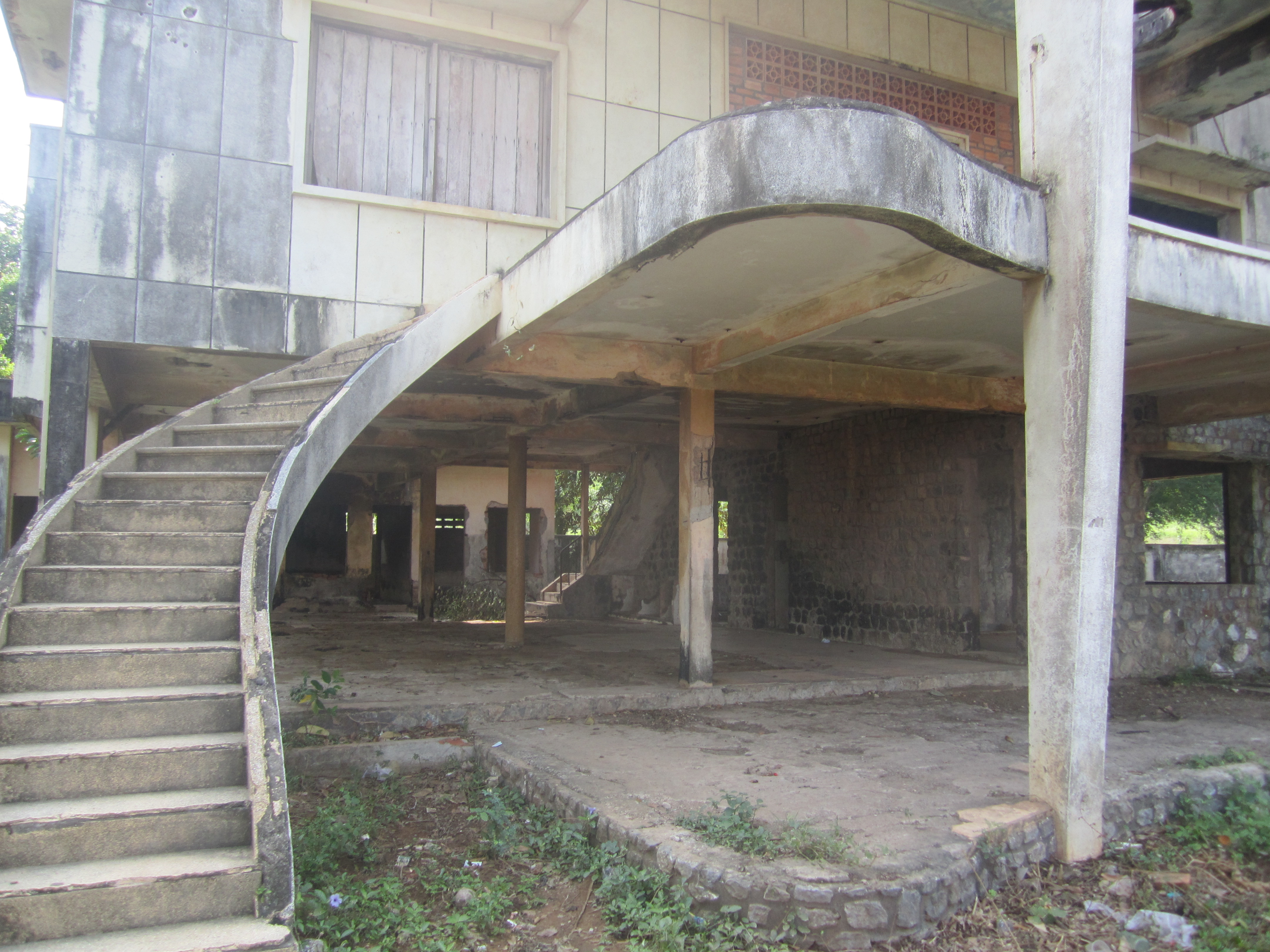 Photo Essay: Kep's Abandoned Mansions | Lonely Girl Travels